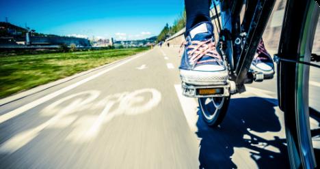 image vélo piste cyclable